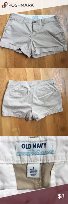 "Old Navy light Khaki Shorts Size 4 Perfect summer shorts from Old Navy. Lightweight khakis in size 4. 3"" inseam and 15"" flat lay waist. Preowned and in great condition. Old Navy Shorts"