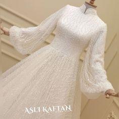 ✔ Dress Wedding Party Hijab Source by kayleighlangst. ✔ Dress Wedding Party Hijab Source by # Muslimah Wedding Dress, Muslim Wedding Dresses, Wedding Hijab, Wedding Party Dresses, Bridal Dresses, Muslim Brides, Tulle Wedding, Wedding Cakes, Dress Muslimah
