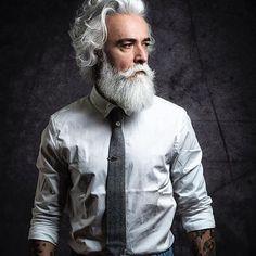 @prosacalwaysmile #silver #tattoart #gentleman #beardlife #dandy #beardoil #mustache #cravatta