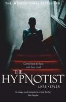 By Lars Kepler - The Hypnotist A homicide, all of the victims from the same family. Detective Inspector Joona Linna, has only one surviving witness -- the boy whose mother, father, and little sister were killed before his eyes. Lars Kepler, Best Crime Novels, Best Summer Reads, Books To Read, My Books, Online Match, First Novel, Reading Lists, Reading Room