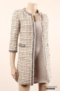 females' cardigans provide excellent portion to connect your setup collectively. Tweed Chanel, Chanel Jacket Trims, Chanel Style Jacket, Warm Outfits, Classy Outfits, Casual Outfits, Blazers For Women, Cardigans For Women, Tweed Outfit