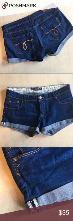 Alcott Los Aneles Denim Shorts Alcott Made in Love Denim Shorts In immaculate condition!   Size: 30  -A10- Alcott Shorts Jean Shorts