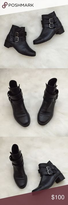 """Stuart Weitzman Black Leather Ankle Booties Stuart Weitzman Black Leather Ankle Booties Condition: Used  Size: 7.5 The perfect fall/winter booties.Pair these with leggings,jeans and a flannel.Boots have been worn a couple times and have been taken to a professional shoe repair to smooth the leather and heels.The words """"Stuart Weitzman"""" are faded on soles on both.They do not come with box, in good condition & retail for $340 + tax.Originally purchased at Nordstrom❤️  In Bin: F **All items…"""