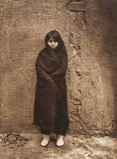 A ZuÐi girl (The North American Indian, v. XVII. Norwood, MA, The Plimpton Press, 1926)
