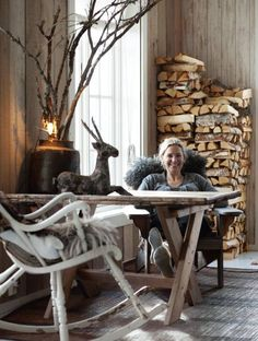 Nature-inspired decor in winter cabin in Norway.