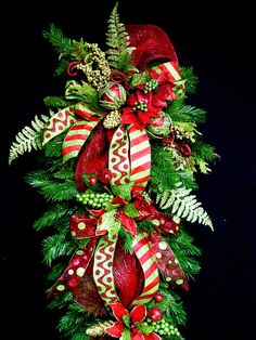 Huge Christmas Teardrop Vertical Swag por cabincovecreations