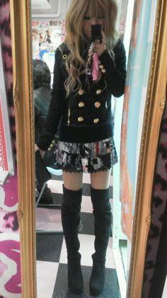 Cute Gyaru Fashion i love them shorts Gyaru Fashion, Pastel Goth Fashion, Harajuku Fashion, Kawaii Fashion, Lolita Fashion, Cute Fashion, Asian Fashion, Look Fashion, Fashion Outfits
