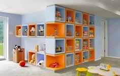 ¿Qué te parece esta combinación de celeste y naranja para el playroom de los chicos? ¿Te animas?