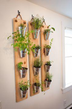 Love the pot/plant holders. House Plants Decor, Patio Plants, Rustic Kitchen Design, Home Decor Kitchen, Rustic Style, Rustic Decor, Country Cottage Living Room, Herb Wall, Herb Garden Design
