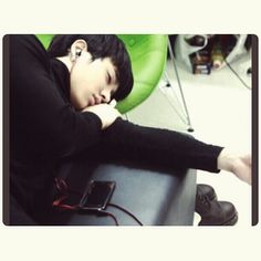 Its been two days i didnt post any gikwang picture, so yeah :) Anyway, here he is! looking so tired, exhausted and look at his face so cute like a persian cat. Loving his sleep posture too, haha. Much love, #gikwang #kikwang #beast #b2st #b2uty #tired #exhausted #sleep #posture #cute #sexy #hot #guy #love #so #in #love #with #him #drdre #he #is #probably #listening #to #chrisbrown #songs #as #always #xo :* ♥ - @gikwangb2st- #webstagram