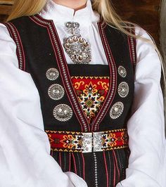 bunad nordhordland - Google-søk Folk Costume, Costumes, Going Out Of Business, Doll Patterns, Traditional Outfits, Vintage Photos, Norway, Bridal Dresses, Stitching