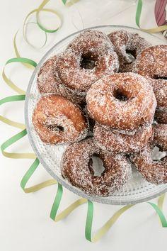Hirsitalon keittiössä: Vappubrunssi osa 1: Munkit Doughnut, Desserts, Food, Tailgate Desserts, Deserts, Eten, Postres, Dessert, Meals