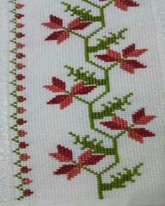 This Pin was discovered by Mür Cross Stitch Borders, Cross Stitch Rose, Simple Cross Stitch, Cross Stitch Flowers, Cross Stitch Designs, Cross Stitching, Cross Stitch Embroidery, Embroidery Patterns, Hand Embroidery