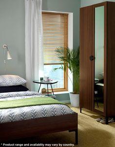 Decorar el dormitorio en madera y tonalidades verdes http://ini.es/1Dd5hGu #DecorarElDormitorio, #DormitorioEnMadera, #DormitorioEnVerde, #DormitorioIkea