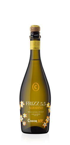 De burbuja chispeante y baja graduación, FRIZZ 5.5 Albariño es el equilibrio perfecto entre dulzura y acidez.