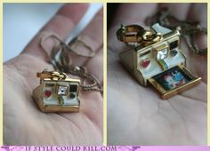 ideas for jewerly necklace locket chains Cute Jewelry, Jewelry Accessories, Unique Jewelry, Camera Necklace, Bottle Necklace, Pendant Necklace, Bijou Box, Pinterest Jewelry, Diy Accessoires