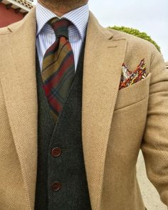 casual date ideas Older Mens Fashion, Suit Fashion, Fashion Outfits, Der Gentleman, Gentleman Style, Layered Fashion, Moda Casual, Elegant Man, Suit And Tie