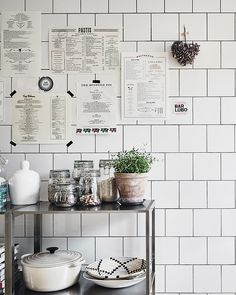 Easy Simple & Cheap Kitchen Decor And Design Information - - Attractive treated amazing kitchen design ideas Share this Quirky Home Decor, Fall Home Decor, Home Decor Kitchen, Home Decor Bedroom, Kitchen Interior, Cheap Home Decor, Home Kitchens, Kitchen Ideas, Kitchen Design