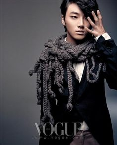 WHOAH.....gorgeous and androgynous: Yoon Shi Yoon