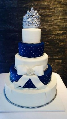 30 Trendy Wedding Cakes Blue And Silver Design wedding Cakes blue – Wedding Fashions Royal Blue Cake, Royal Blue Wedding Cakes, Floral Wedding Cakes, Themed Wedding Cakes, Wedding Cake Rustic, Fall Wedding Cakes, Elegant Wedding Cakes, Floral Cake, Beautiful Wedding Cakes