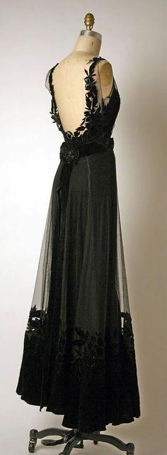 Dior Dress - back - 1947