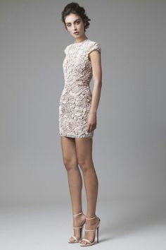 d4215ea15e824 Look tendance de krikor Jabotian Robe De Fiancaille, Future Mariée,  Fiancailles, Atelier,