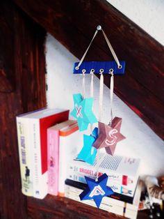 NB Kreatív Manufaktúra: Karácsonyi ajtódísz csillagokból