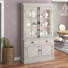 The China Cabinet is part of classic dining room furniture. However, there are also certain dining areas that people can use Chinese-style cabinets. Farmhouse China Cabinet, Modern China Cabinet, China Cabinet Display, Cabinet Decor, Classic Dining Room Furniture, Dining Room Design, Home Furniture, White China Cabinets, Deco Buffet