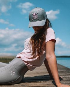 Head to toe HoH 😍 have you already ordered the grey Unicorn Grip Leggings? 🦄  #houseofhorses #designfromfinland #equestrianstyle #equestrianfashion Equestrian Style, Head To Toe, Helsinki, Unicorn, Horses, Leggings, Grey, Instagram, Fashion