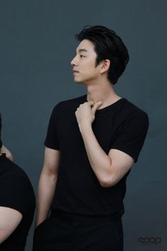I love his black shirt Gong Yoo, Park Hae Jin, Park Seo Joon, Song Joong, Korean Drama Quotes, Goong, Yoo Ah In, Kim Go Eun, Kdrama Actors