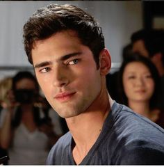 Sean Opry Melts Hearts (SEE IT) http://www.hngn.com/articles/49169/20141112/sean-opry-melts-hearts-see-it.htm