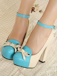 Sapatos Salto Alto Vintage com Laço