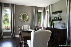 14 Best Design Options for Dining Room Paint Colors - Interior Decorating Colors Dining Room Paint Colors, Dining Room Wall Decor, Living Room Paint, Dining Room Design, Wall Colors, Cama Futon, Twin Futon, Small Futon, Futon Design