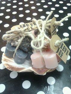 Zeepjes Diy Presents, Soap, Desserts, How To Make, Crafts, Tailgate Desserts, Diy Gifts, Deserts, Manualidades