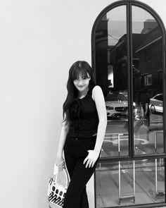 Korean Beauty Girls, Korean Women, Korean Girl, Nancy Jewel Mcdonie, Nancy Momoland, Favorite Color, Punk, Jewels, Photo And Video