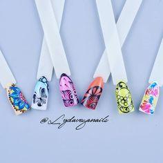 Taller trazos finos 😊💅🏻 #uñas #nails #nailart #pasionuñas #esmalte #hechoamano #uñasytrazos #uñasconestilo #uñasinovadoras Vegas Nails, Nailart, Instagram, Fingernail Designs, Hand Made