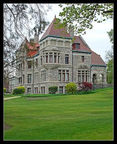 Studebaker Mansion in South Bend Indiana. Can you detect where the front is from the back? Romanesque Architecture, Architecture Old, Beautiful Architecture, Beautiful Castles, Beautiful Buildings, Beautiful Homes, American Mansions, Second Empire, Beach Cottages