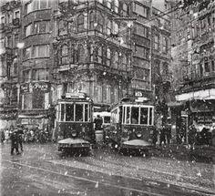 Ara Güler. 1950 Galatasaray Meydanı
