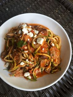 Noodles with Garlicky Homemade Tomato Sauce, Organic Chicken Sausage, and Goat Cheese Homemade Tomato Sauce, Tomato Vegetable, Organic Chicken, Chicken Sausage, Zucchini Noodles, Lunches And Dinners, Entrees, Favorite Recipes, Vegetables