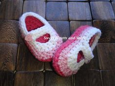 Sweet & Tart light pink, dark pink and white Valentine handmade crochet baby Mary Janes shoes are perfect for your little love!     Please stop by my Etsy shop at www.etsy.com/shop/sweetheartsandsoles for more baby booties, as well as baby & toddler accessories!