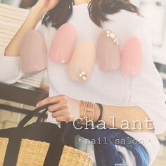 こちらも季節を問わず人気のシンプルデザインです♫ ・ ・ 【ご予約・お問い合わせ】 suzuki sanae 0422-27-6367 http://www.chalant-nail.com  #chalant#シャラン#吉祥寺#ネイルサロン#nail#nails#art#gel#ネイ�