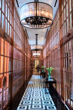 The Rosewood Hotel in #London makes our #ItList this year! Modern, unique design makes for a fabulous stay at this hotel!