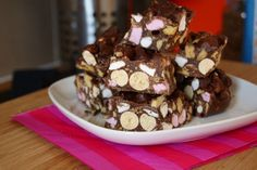 Fancy an easy sweet treat? There's not much easier than rocky road! No baking required and you can pretty much throw in anything you like into the mix. For my girly afternoon tea a while back (read post here) I whipped up some Malteser Rocky Road. Think big delicious chunks of chocolate with loads of crunchy bits of malteser, biscuit and soft pillows of marshmallows!…
