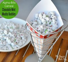 Alpha-Bits Chocolate Mint Muddy Buddies Recipe - great snack for kids, entertaining guests, or holiday dessert!