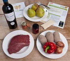 """Tierisch lecker: Die TastyBox zum Kochen im April 2012: """"Wasserbüffel auf Birnen mit Paprika-Chili-Kartoffeln.""""  & Grießflammerie mit Himbeer-Rosen-Sauce."""