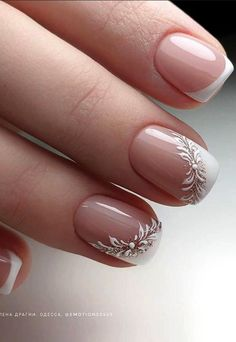 nail art So in order for fairies to see more real short nails,Lily specially arranged a group of really short nails today, basically the same length as many short nails of girls. Elegant Nails, Classy Nails, Fancy Nails, Pink Nails, White Tip Nails, Chic Nails, Stylish Nails, Trendy Nails, French Manicure Nails