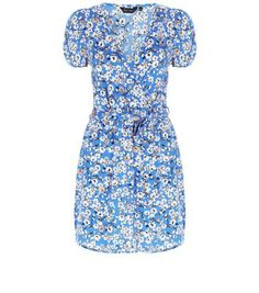 cbbb4f5f644761 Blue Daisy Print Wrap Front Dress