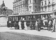 Rund um Wien, Schwarzenbergplatz Old Photographs, Vienna Austria, Old Pictures, Time Travel, Hungary, American History, Street View, Black And White, Buses