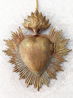 Flaming Heart Ex-Voto Cachette with Halo and Marian Monogram, www.santocagedoll.com