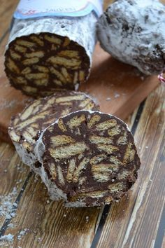 Chocolate salami (cold snout) do-it-yourself recipe - family recipes to make . - Chocolate salami (cold snout) DIY recipe – family recipes for cooking and baking. Creative Cake Decorating, Creative Cakes, Creative Food, How To Cook Rice, How To Cook Pasta, Food To Make, Mini Desserts, Cooking For One, Food Lists